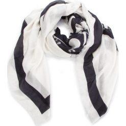 Chusta MOSCHINO - 03289 M1845 003. Białe szaliki i chusty damskie MOSCHINO, z kaszmiru. Za 789.00 zł.