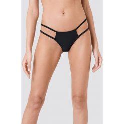 NA-KD Swimwear Dół bikini z paseczkami - Black. Czarne bikini damskie NA-KD Swimwear, w paski. Za 40.95 zł.