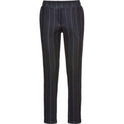 Spodnie Punto di Roma bonprix czarno-biały w paski. Spodnie materiałowe damskie marki DOMYOS. Za 59.99 zł.