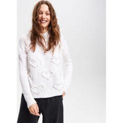 Sweter ze stójką - Biały. Swetry damskie marki bonprix. W wyprzedaży za 79.99 zł.