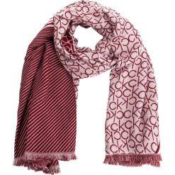 Szal CALVIN KLEIN - Ck Blanket K60K604710 629. Szare szaliki i chusty damskie marki Giacomo Conti, na zimę, z tkaniny. Za 299.00 zł.