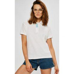 Calvin Klein Jeans - Top. Szare topy damskie Calvin Klein Jeans, z bawełny, z krótkim rękawem. W wyprzedaży za 159.90 zł.