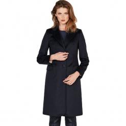 Płaszcz w kolorze czarnym. Czarne płaszcze damskie Ostatnie sztuki w niskich cenach, na zimę. W wyprzedaży za 899.95 zł.