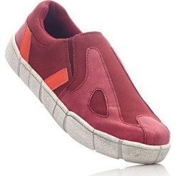 Buty wsuwane bonprix czerwony. Obuwie sportowe damskie marki Nike. Za 49.99 zł.