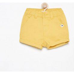 Krótkie spodenki - Żółty. Spodenki dla dziewczynek marki Reserved. W wyprzedaży za 19.99 zł.