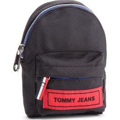 Saszetka TOMMY JEANS - Tj Logo Tape Hanging Pouch AU0AU00271 902. Czarne saszetki męskie Tommy Jeans, z jeansu, młodzieżowe. Za 229.00 zł.