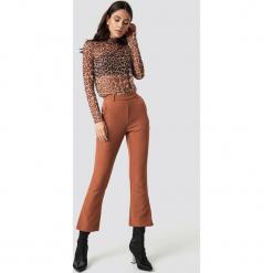 Moves Spodnie Ynne - Brown. Brązowe spodnie materiałowe damskie Moves. Za 262.95 zł.