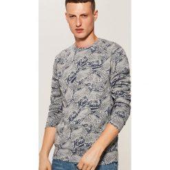 Bluza z nadrukiem all over - Szary. Szare bluzy męskie House, z nadrukiem. W wyprzedaży za 39.99 zł.