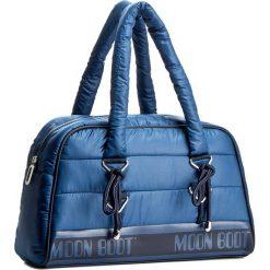 Torebka MOON BOOT - Mb Apollo Hand Bag Midi 44001400003 Blue. Niebieskie torebki do ręki damskie Moon Boot, z materiału. W wyprzedaży za 369.00 zł.