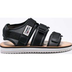 Tommy Jeans - Sandały. Szare sandały męskie Tommy Jeans, z gumy. W wyprzedaży za 229.90 zł.