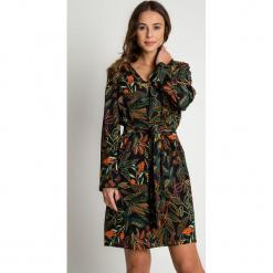 Sukienka z szerokimi rękawami i wiązaniem BIALCON. Szare sukienki damskie BIALCON, na jesień. Za 399.00 zł.