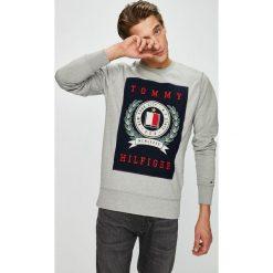 Tommy Hilfiger - Bluza. Szare bluzy męskie Tommy Hilfiger, z aplikacjami, z bawełny. Za 499.90 zł.
