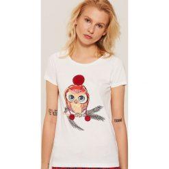 Piżamowa koszulka z zimowym motywem - Kremowy. Białe koszule nocne damskie House. Za 29.99 zł.