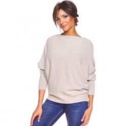 """Sweter """"Edwidge"""" w kolorze beżowym. Brązowe swetry damskie So Cachemire, z kaszmiru, z dekoltem w łódkę. W wyprzedaży za 173.95 zł."""