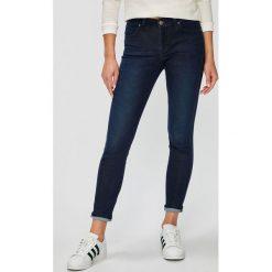 Lee - Jeansy Scarlett. Niebieskie jeansy damskie Lee. Za 319.90 zł.