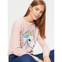 Sweter - Kremowy. Białe swetry damskie Cropp. W wyprzedaży za 29.99 zł.
