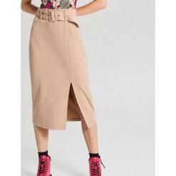 Ołówkowa spódnica midi z paskiem Beżowy