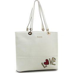Torebka KAZAR - Paris 25806-15-01 Biały. Białe torebki do ręki damskie Kazar, w kolorowe wzory, ze skóry. W wyprzedaży za 579.00 zł.