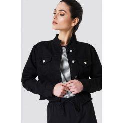 NA-KD Trend Krótka kurtka jeansowa - Black. Czarne kurtki damskie NA-KD Trend, z jeansu. Za 202.95 zł.