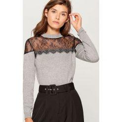 Sweter z koronką - Szary. Szare swetry damskie Mohito, z koronki. Za 89.99 zł.