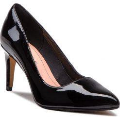 Szpilki CLARKS - Laina Rae 261351754 Black Patent. Czarne szpilki damskie Clarks, z lakierowanej skóry. Za 399.00 zł.