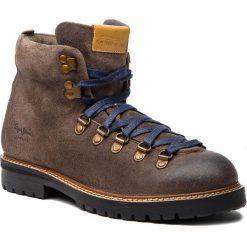 Kozaki PEPE JEANS - Sherpa Boot Sde PMS50166 Stag 884. Brązowe kozaki męskie Pepe Jeans, z jeansu. W wyprzedaży za 369.00 zł.