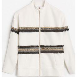 Kurtka z ozdobnymi taśmami - Biały. Białe kurtki damskie Reserved. W wyprzedaży za 99.99 zł.