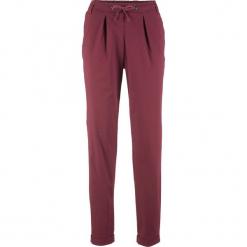 Spodnie chino bonprix czerwony klonowy. Czerwone spodnie materiałowe damskie bonprix. Za 109.99 zł.