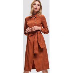 Sukienka z lyocellem - Bordowy. Czerwone sukienki damskie Reserved, z lyocellu. Za 179.99 zł.