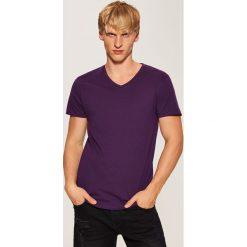 T-shirt basic - Fioletowy. Fioletowe t-shirty damskie House. Za 17.99 zł.