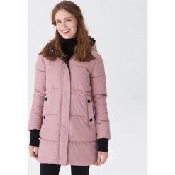 Pikowany płaszcz - Różowy. Czerwone płaszcze damskie House. Za 199.99 zł.