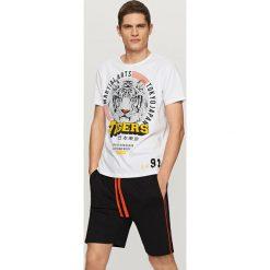Dwuczęściowa piżama z szortami - Żółty. Bielizna dla chłopców Reserved. W wyprzedaży za 39.99 zł.