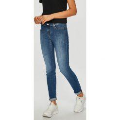 Mustang - Jeansy Jasmin. Niebieskie jeansy damskie Mustang. Za 339.90 zł.