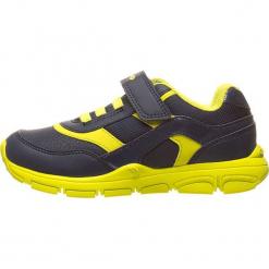 Sneakersy w kolorze granatowo-żółtym. Niebieskie trampki i tenisówki chłopięce Geox Kids, z materiału. W wyprzedaży za 117.95 zł.