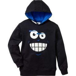 Bluza z kapturem bonprix czarny. Bluzy dla chłopców bonprix, z nadrukiem. Za 54.99 zł.