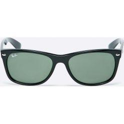 Ray-Ban - Okulary New Wayfarer. Szare okulary przeciwsłoneczne męskie Ray-Ban, z materiału. Za 479.90 zł.