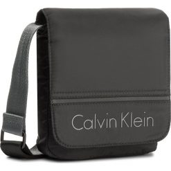 Saszetka CALVIN KLEIN - Matthew 2.0 Reporter K50K503701 001. Czarne saszetki męskie Calvin Klein, z materiału, młodzieżowe. W wyprzedaży za 239.00 zł.