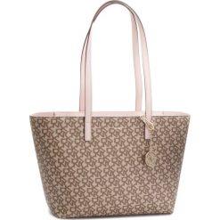 Torebka DKNY - Bryant Lg Zip Tote R74AJ014 Chino Logo-Iconic Blush. Brązowe torby na ramię damskie DKNY. Za 809.00 zł.