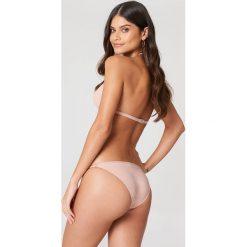 Filippa K Góra bikini Triangle - Pink. Różowe bikini damskie Filippa K, z haftami. W wyprzedaży za 101.48 zł.