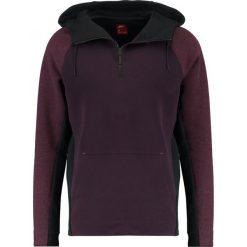 Nike Sportswear TECH Bluza z kapturem port wine/port wine/black. Kardigany męskie Nike Sportswear, z bawełny. W wyprzedaży za 351.20 zł.