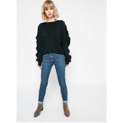 Vero Moda - Sweter Sky. Szare swetry damskie Vero Moda, z dzianiny, z okrągłym kołnierzem. W wyprzedaży za 69.90 zł.