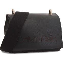 Torebka CALVIN KLEIN - Pop Small Crossbody K60K604594 001. Czarne listonoszki damskie Calvin Klein, ze skóry ekologicznej. Za 449.00 zł.