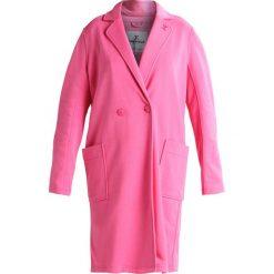 Onepiece CHALLENGE  Płaszcz wełniany /Płaszcz klasyczny pink. Płaszcze damskie Onepiece, z bawełny, klasyczne. W wyprzedaży za 399.20 zł.