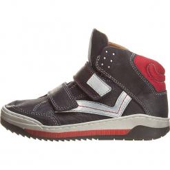 Sneakersy w kolorze granatowo-czerwonym. Niebieskie trampki i tenisówki chłopięce Primigi, z materiału. W wyprzedaży za 152.95 zł.