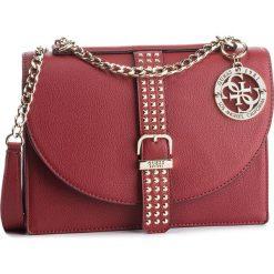 Torebka GUESS - HWVG7 169210 CRI. Czerwone torebki do ręki damskie Guess, z aplikacjami, ze skóry ekologicznej. Za 629.00 zł.