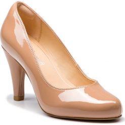 Półbuty CLARKS - Dalia Rose 261385664  Nude Patent. Brązowe półbuty damskie Clarks, z lakierowanej skóry, eleganckie. W wyprzedaży za 279.00 zł.