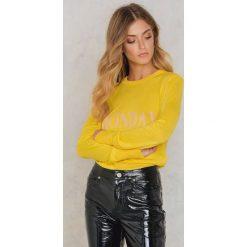 NA-KD Sweter z dzianiny Weekday - Yellow. Żółte swetry damskie NA-KD, z dzianiny. W wyprzedaży za 60.89 zł.