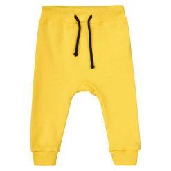 Garnamama Chłopięce Dresy Pop Art 62 Żółty. Spodnie sportowe dla chłopców marki Reserved. Za 25.00 zł.