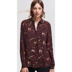 Luźna koszula z nadrukiem - Bordowy. Czerwone koszule damskie Reserved, z nadrukiem. Za 99.99 zł.