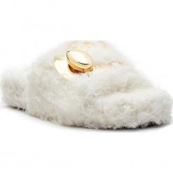 Klapki w kolorze białym. Białe klapki damskie Stella Luna, z materiału. W wyprzedaży za 636.95 zł.